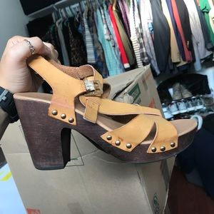 Francesca's Collections Shoes - Tan clogs